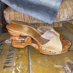 Vintage Karvings Carved Wooden Sandals Size 7